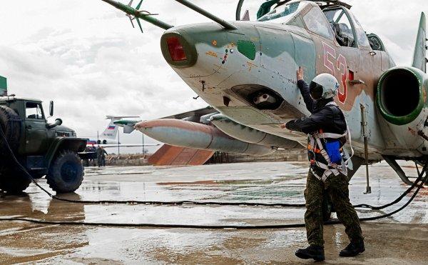Ведомый сбитого Су-25 поведал о попытке прикрыть командира на земле