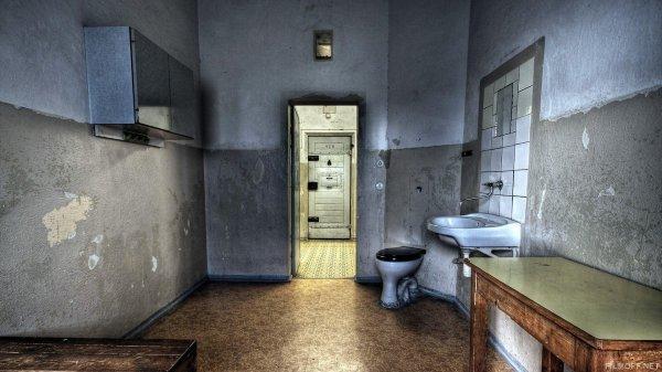 Наркоторговец отказывается ходить в туалет ради свободы