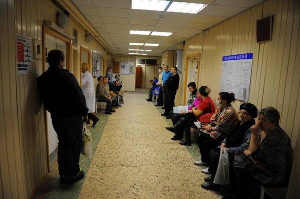 Мужчина умер в очереди к врачу в поликлинике Нижневартовска