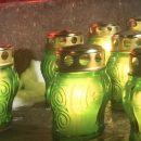 У храма Христа Спасителя зажгли лампады в память о жертвах крушения Ан-148