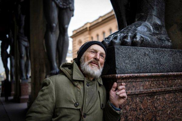 60-летнюю пенсионерку в Петербурге изнасиловал бездомный