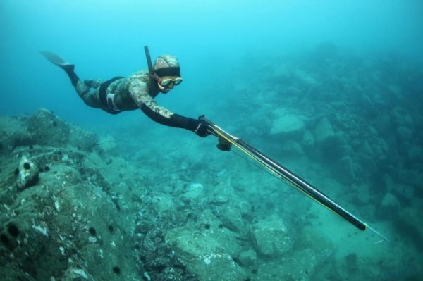 Россиянин прострелил себе ногу на подводной охоте в Тайланде