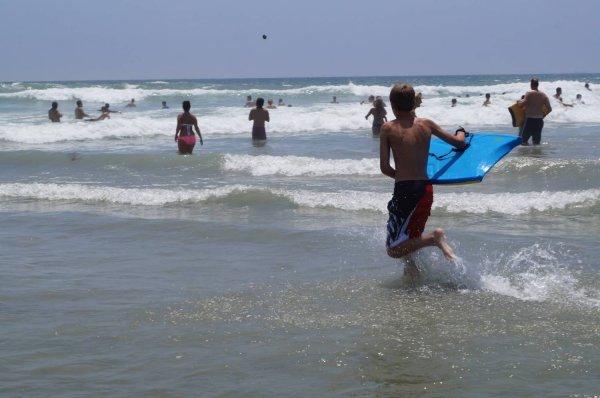 В Мексике заметили пролетающее над пляжами НЛО