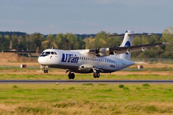 Самолет с 60 пассажирами рухнул в Иране