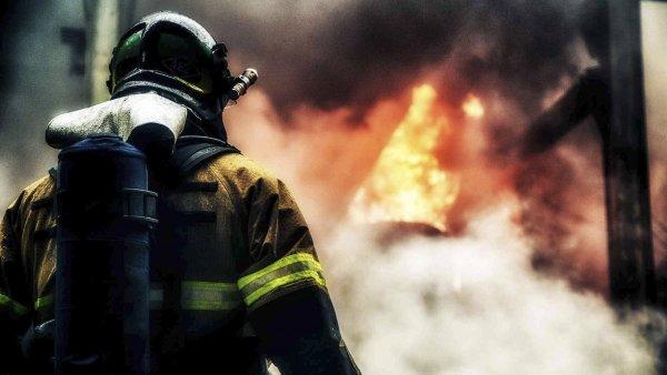 В Москве огонь охватил здание туберкулезной больницы