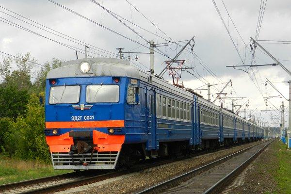 В Москве электропоезд наехал на подростка