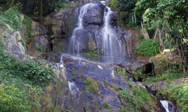 Турист из России упал со скалы в Таиланде во время селфи