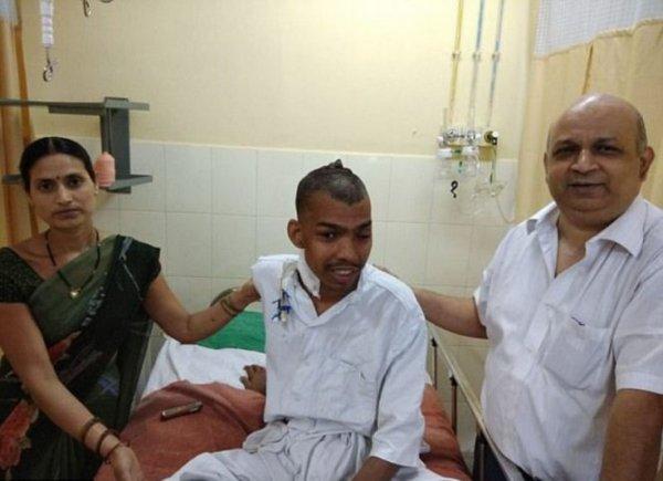 Индийские хирурги провели операцию по удалению самой большой опухоли мозга
