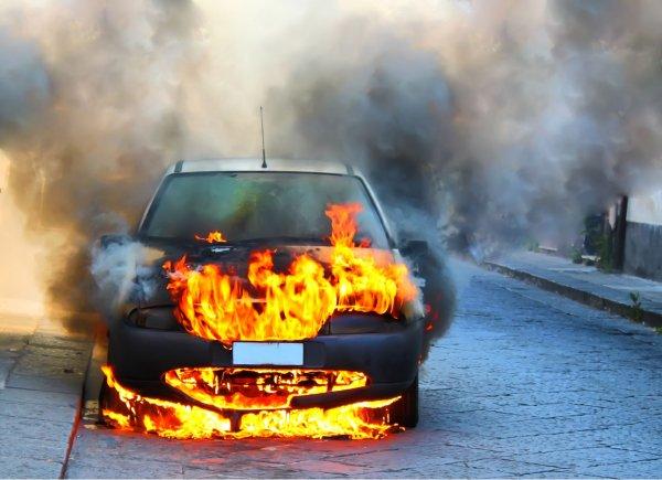 В Подмосковье злоумышленники сожгли авто журналиста Трофимова