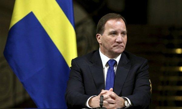 Премьер Швеции из-за метелицы стал участником ДТП