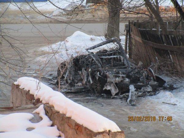 На видео попал взрыв Land Rover в Воронеже