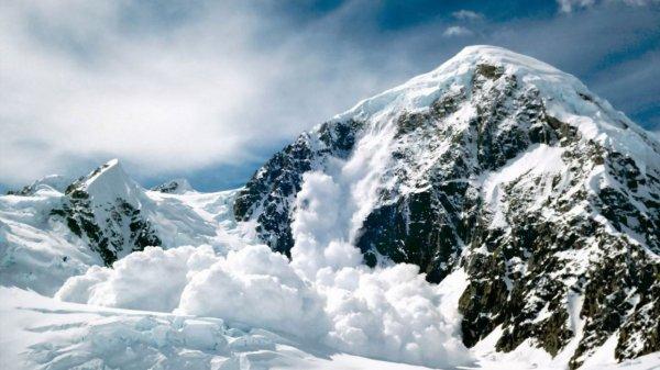 Ребенок из России погиб при сходе лавины в Киргизии