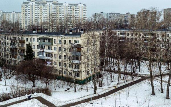 В Ростове на Извилистой появился водопад из кипятка