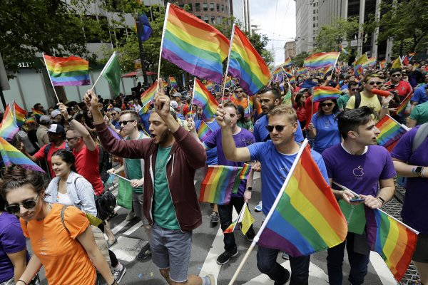 В Ростове работники завода толпой избили гомосексуалиста