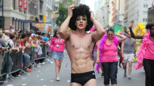 Ростовчане вступились за гея, избитого на заводе