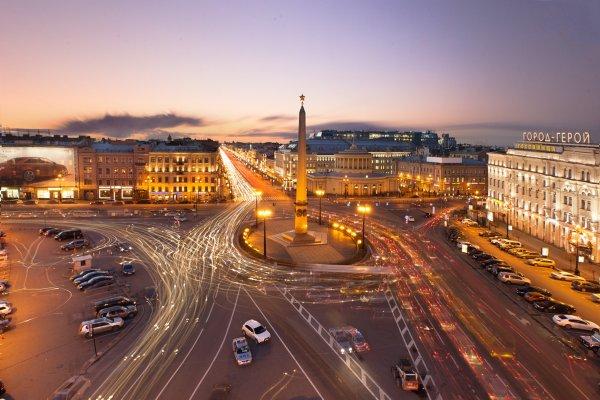Водитель иномарки угрожал прохожему прокурорским удостоверением в Петербурге