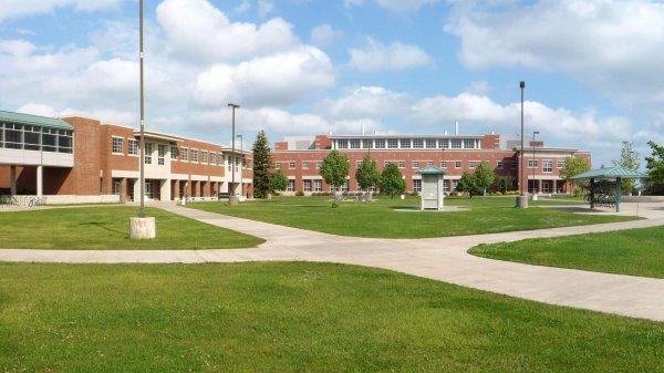 В штате Мичиган в университете открыли стрельбу