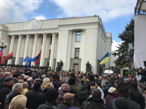 В Украине из-за столкновений у Рады задержали 50 человек