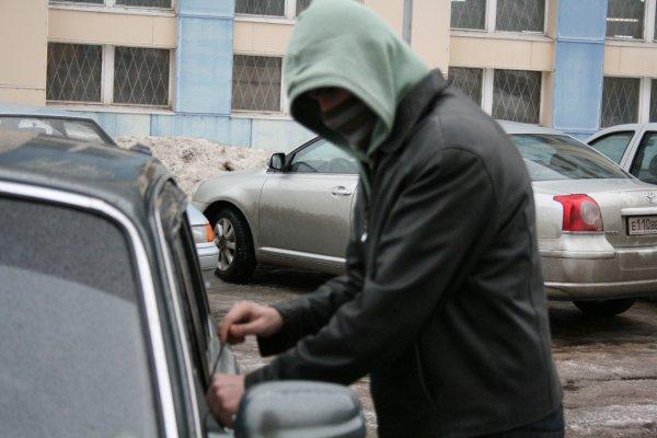 На севере Москвы безработные угнали мотоцикл за 1,25 млн рублей