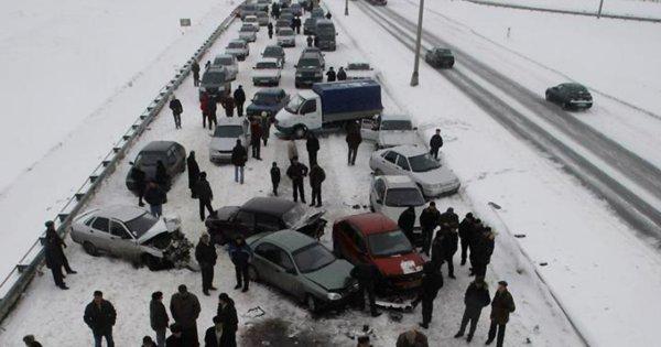 В Москве произошла крупная авария с участием 8 автомобилей
