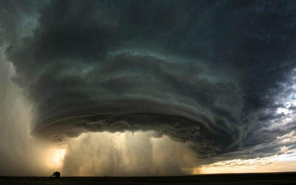 Повредивший «самолеты судного дня» торнадо нанес ущерб в $20 млн