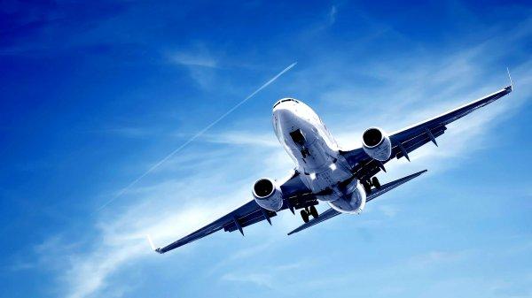 В Сети обнародовали видеозапись аварийной посадки самолета в Бишкеке