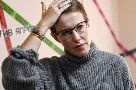 Нападение на Ксению Собчак в Москве: неизвестный плеснул стакан воды в лицо кандидату в президенты. ВИДЕО
