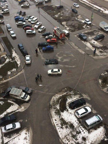 В Ростове взорвалась припаркованная машина с водителем внутри