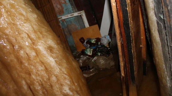 В общежитии Серова появилась сосулька из фекалий