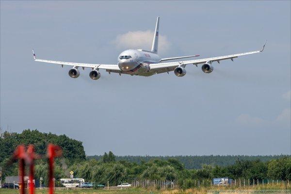 Самолет президента Эквадора совершил аварийную посадку на севере в Чили