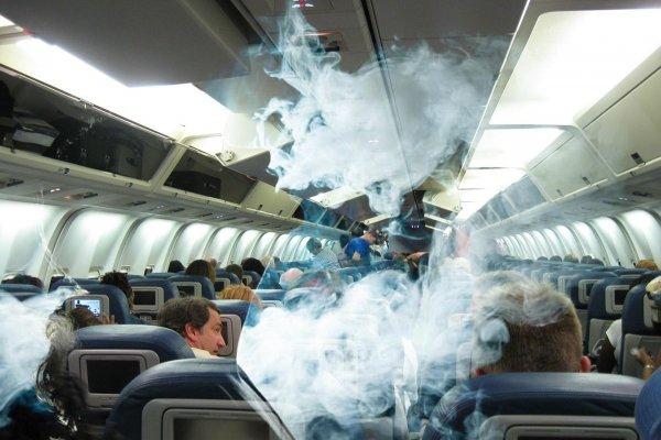 Самолёт экстренно зашёл на посадку в Минеральных Водах из-за курильщика