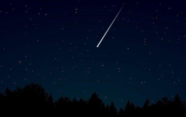 Метеор в небе над Кузбассом очевидцы сняли на видео