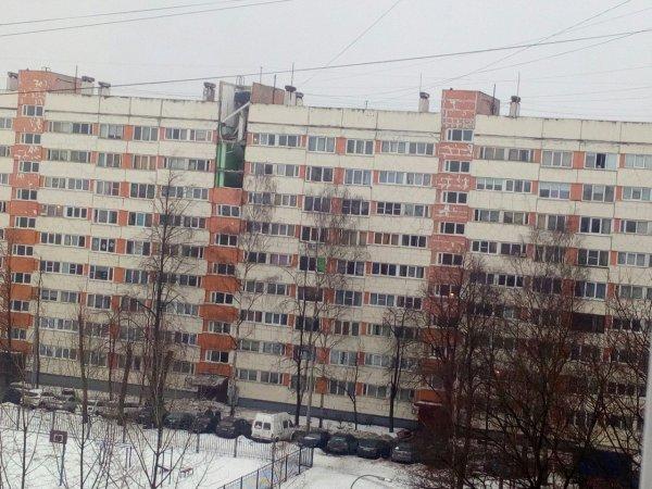 С места взрыва в доме Петербурга появилось первое видео