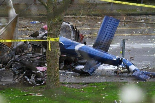 Два человека погибли из-за крушения вертолёта во Франции