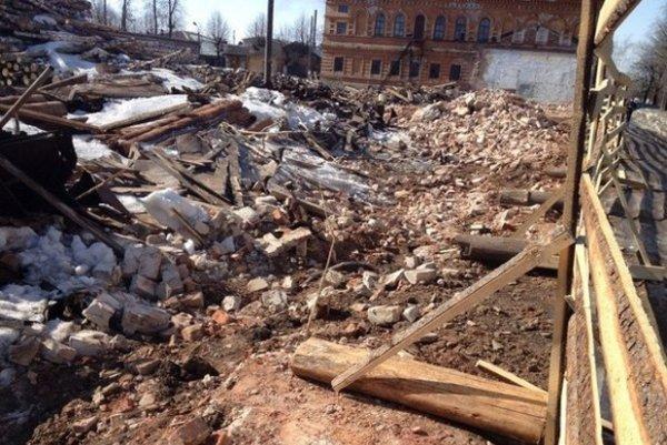 В Неаполе обрушилась стена бывшего монастыря