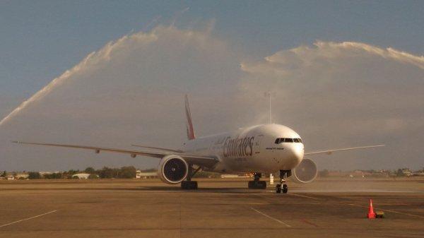 В Уганде умерла выпавшая из лайнера Emitates стюардесса