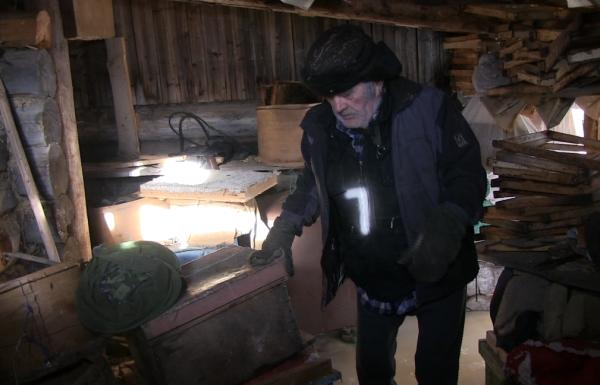 В Пермской области дом 85-летнего пенсионера оказался закованным в лёд