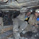 Горняки в Луганской области застряли под землей
