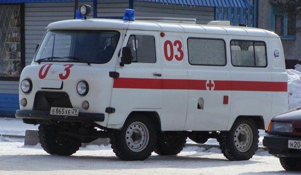 В Петербурге школьница сломала позвоночник из-за падения с лестницы