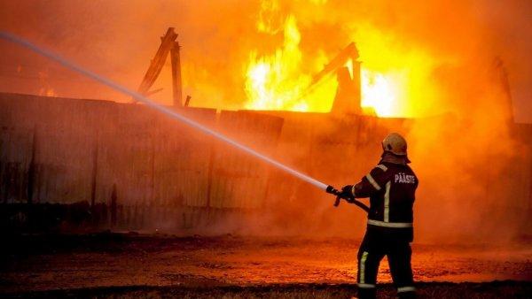 При взрыве на химзаводе в Чехии погибли шесть человек