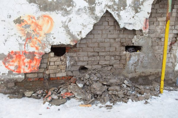 В Татарстане эвакуируют жильцов жилого здания, у которого обрушилась часть стены