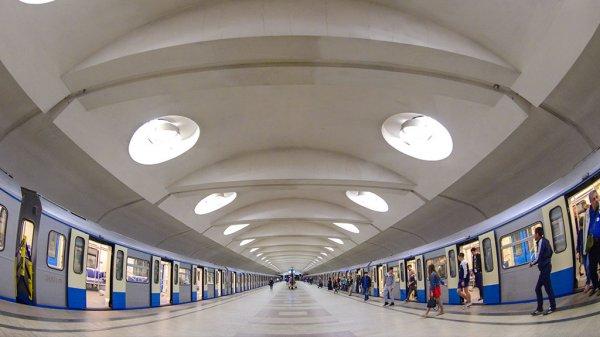 Станцию метро «Гостиный двор» в Петербурге закрыли из-за подозрительного предмета