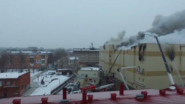 Выжившая девочка в Кемерово поведала об ужасах трагедии в ТЦ «Зимняя вишня»