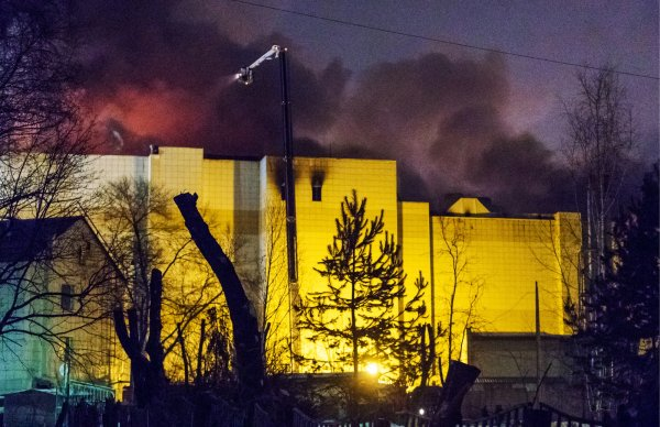 Появились видео последствий  пожара в ТЦ «Зимняя вишня» в Кемерово