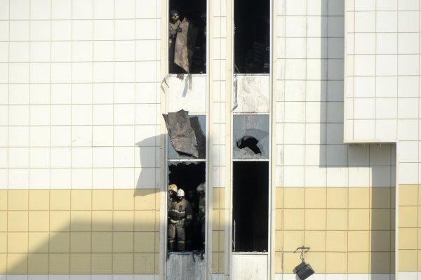 Охраник ТЦ в Кемерово обвинил в отсутствии сигнализации руководство комплекса