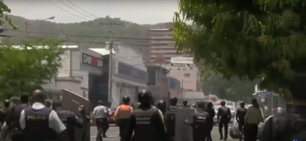 В Венесуэле из-за пожара и бунта в колонии погибли 68 человек