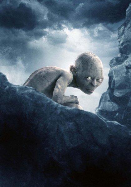 Жителей Омска испугал ползающий по дороге голый «Голлум»