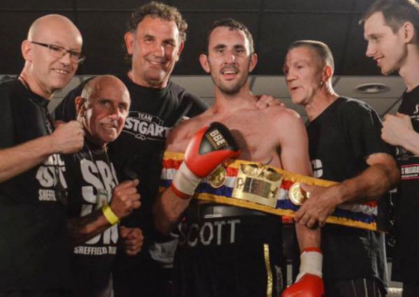 Британский боксер умер после боя и спас семь жизней
