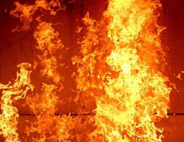 На стройке в Подмосковье произошел пожар