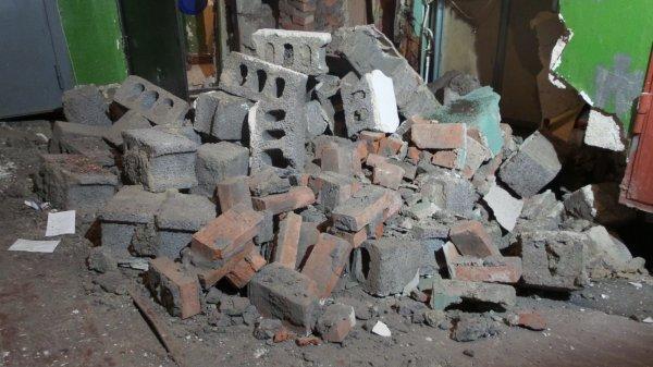 В Туле скончался мужчина из-за обрушения стены похоронного агентства